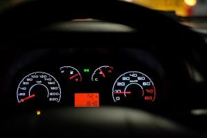 car-dashboard-2667434_960_720